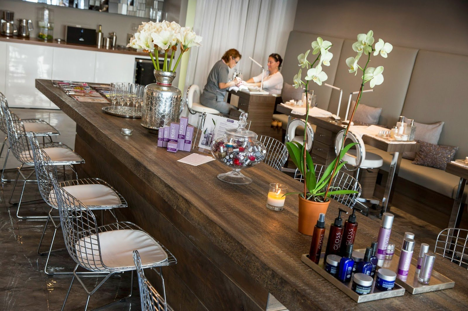 Miami\'s First Organic Nail Bar - Kelly Saks