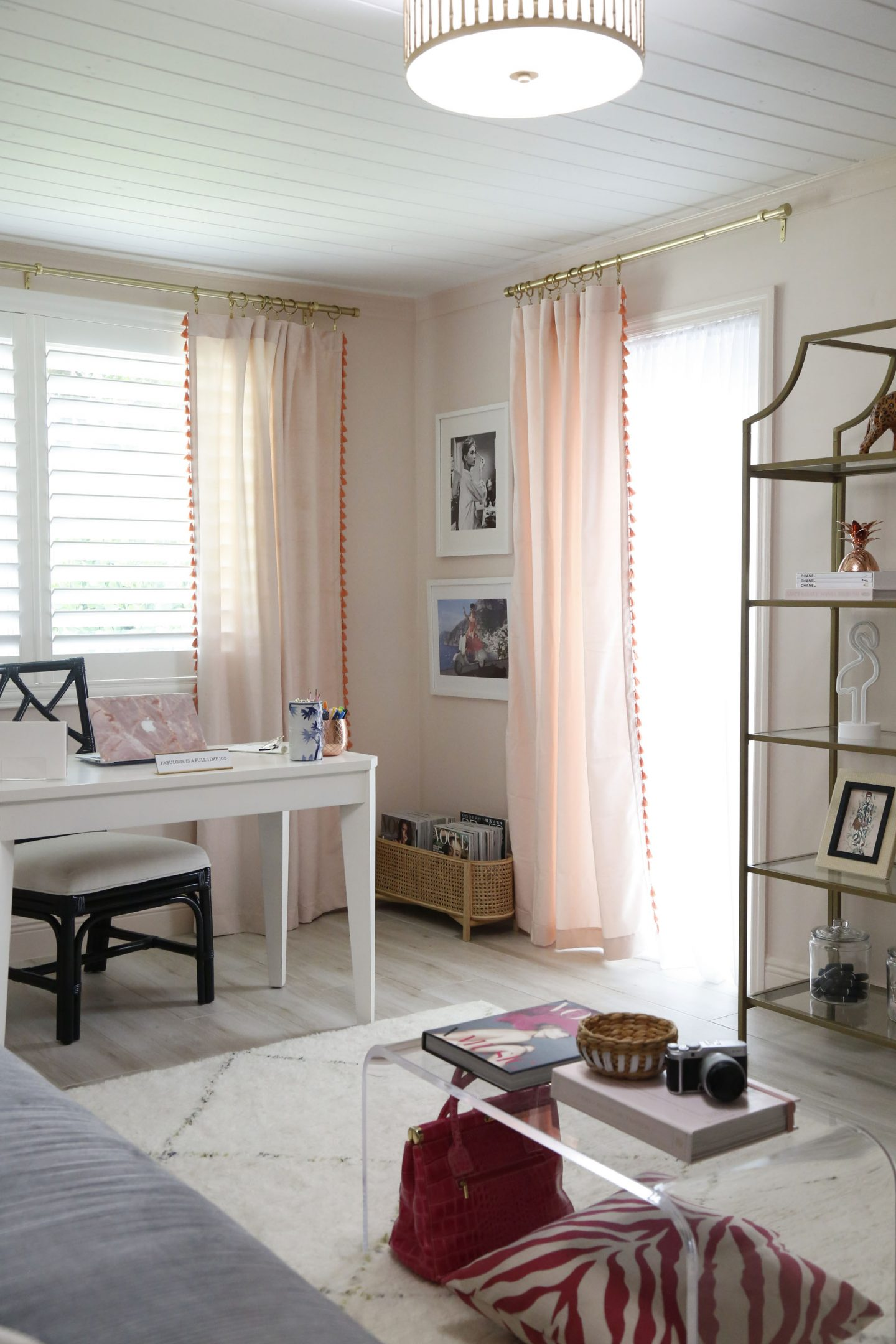 pink home office design